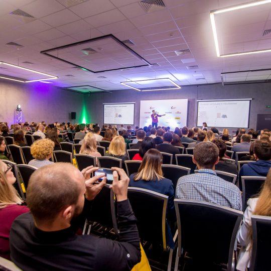https://conference.call-centers.com.ua/wp-content/uploads/2018/01/1_VZR9256-540x540.jpg